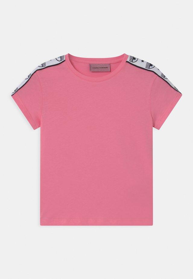 TAPE ID - T-shirt print - sachet pink