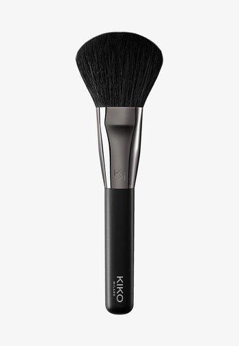 FACE 09 POWDER BRUSH - Powder brush - -