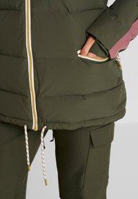Burton - KEELAN  - Snowboardová bunda - olive - 5
