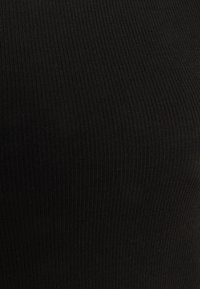 ONLY Tall - ONLKITTY SHORT - Basic T-shirt - black - 2