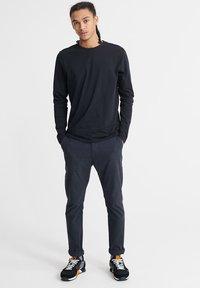 Superdry - LONG SLEEVED - Long sleeved top - black - 1