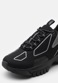 all in - XOX UNISEX - Trainers - black - 5