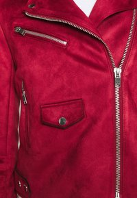 ONLY Tall - ONLSHERRY BONDED BIKER  - Giacca in similpelle - rhubarb - 5