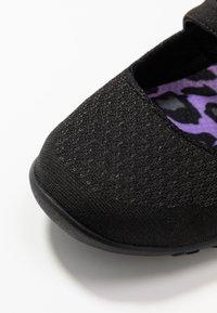 Skechers - BREATHE-EASY RELAXED FIT - Ballerinasko m/ rem - black - 2