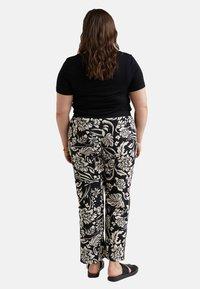 Fiorella Rubino - Pantalones deportivos - nero - 2