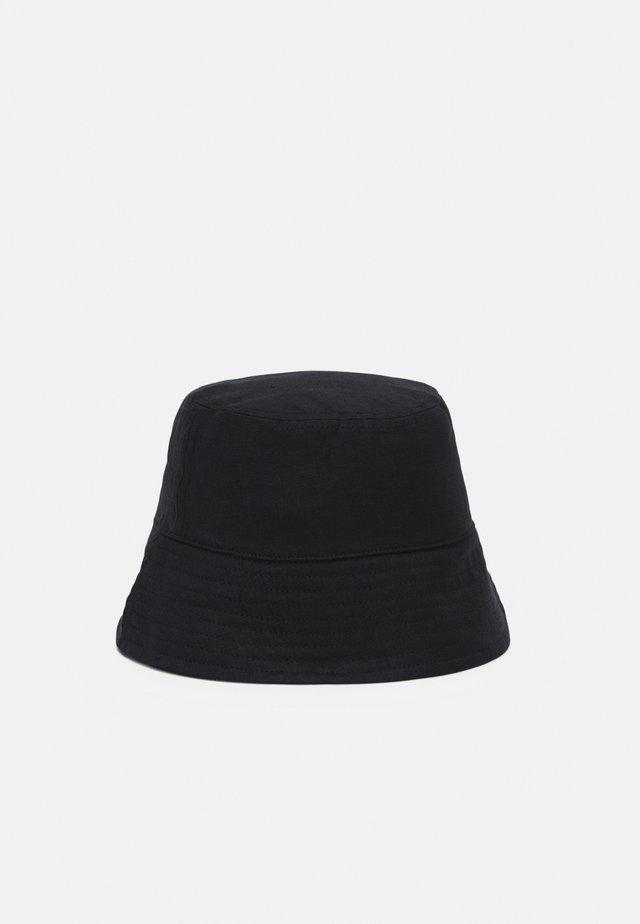 Klobouk - black