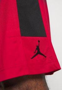 Jordan - AIR DRY SHORT - Sports shorts - gym red/black/black - 3
