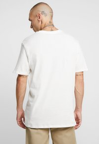 Nike Sportswear - TEE  - Camiseta estampada - sail - 2