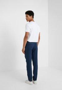 Sand Copenhagen - JASON - Trousers - blue - 2