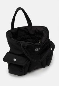 Vivienne Westwood - CLINT NEW SHOPPER UNISEX - Tote bag - black - 2