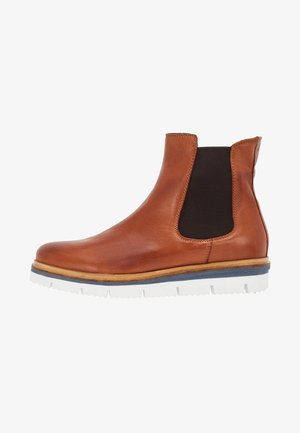 CLEATED CHELSEA  - Platform ankle boots - cognac