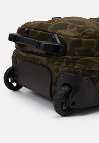 Filson - DRYDEN 2 WHEELED CARRY ON BAG - Wheeled suitcase - mottled olive - 6