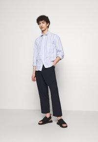 Henrik Vibskov - TAPE SHIRT - Shirt - light blue/white - 1