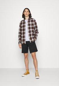 Volcom - FRICKIN - Shorts - black - 1