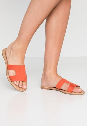 EVERYDAY CYPRESS SLIDE - Sandalias planas - ginger spice