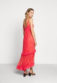 Three Floor - LYNDI DRESS - Maxi dress - spiced coral - 2