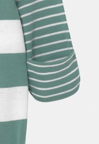Carter's - STRIPE - Sleep suit - green - 3