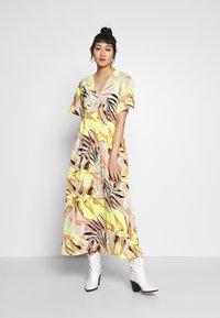 Vero Moda - Maxi dress - overcast/kleo - 0