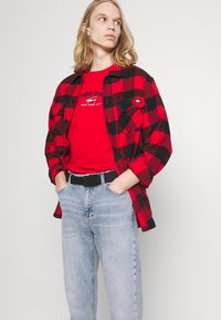 Tommy Jeans - DAD JEAN REGULAR TAPERED - Jeans straight leg - denim - 3