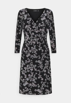 CLEORA LONG SLEEVE DAY DRESS - Robe en jersey - black/colonial cream