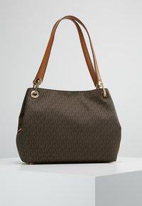 MICHAEL Michael Kors - RAVEN SHOULDER BAG - Handbag - brown - 2