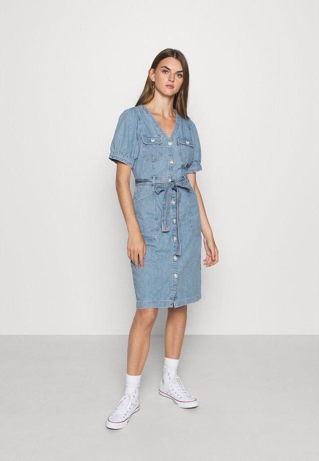 BRYN DRESS - Denim dress - light blue denim