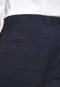 Calvin Klein Tailored - TELA CHECK NATURAL SUIT - Traje - blue - 7