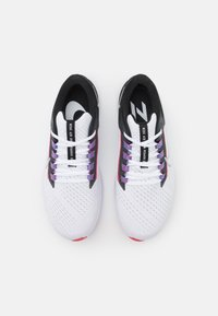Nike Performance - AIR ZOOM PEGASUS 38 - Scarpe running neutre - white/metallic silver/black/flash crimson/anthracite/wild berry - 3