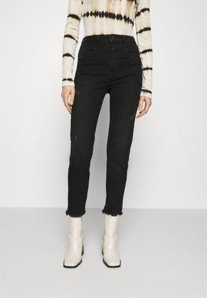 ARLIN - Jeans Skinny Fit - esta wash