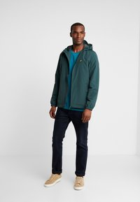Lyle & Scott - ZIP THROUGH HOODED JACKET - Summer jacket - jade green - 1
