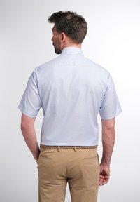 Eterna - MODERN FIT - Shirt - helllblau/weiss - 1