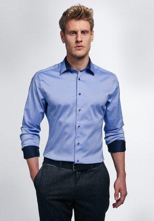 LANGARM SLIM FIT - Formal shirt - mittelblau
