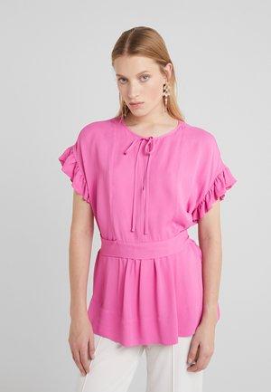 BAI - Blouse - vibrant pink