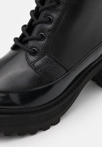 See by Chloé - Šněrovací kotníkové boty - black - 5