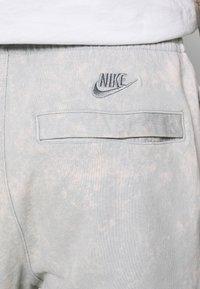 Nike Sportswear - JDI PANT FT WASH - Tracksuit bottoms - smoke grey/sail - 3