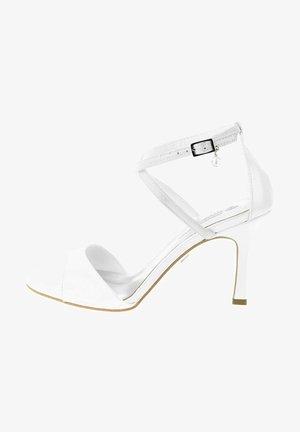 FRISA - High heeled sandals - biały