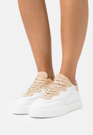 SLFAMALIE TRAINER  - Sneakers laag - white