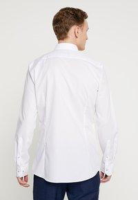 OLYMP - Koszula biznesowa - weiss - 2