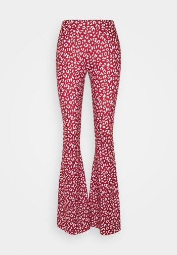 LEOPARD BASIC PANTS - Pantalon classique - red