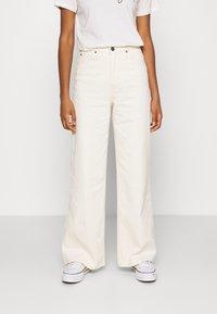 Lee - STELLA A LINE - Flared Jeans - ecru - 0