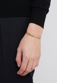 Miansai - SINGULAR CUFF - Bracelet - gold-coloured