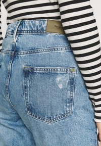 Pepe Jeans - VIOLET - Relaxed fit jeans - denim - 4