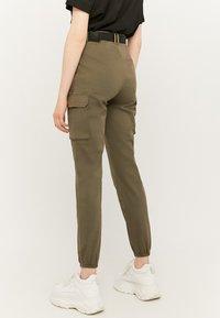 TALLY WEiJL - Cargo trousers - green - 2