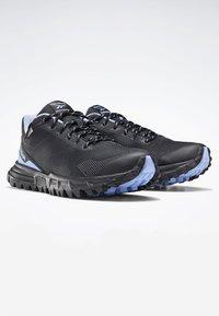 Reebok - REEBOK SAWCUT GTX 7.0 SHOES - Trail running shoes - cornflower blue - 2