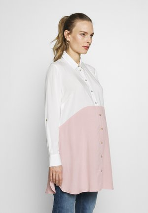 WENDY COLOUR BLOCK - Button-down blouse - blush/white