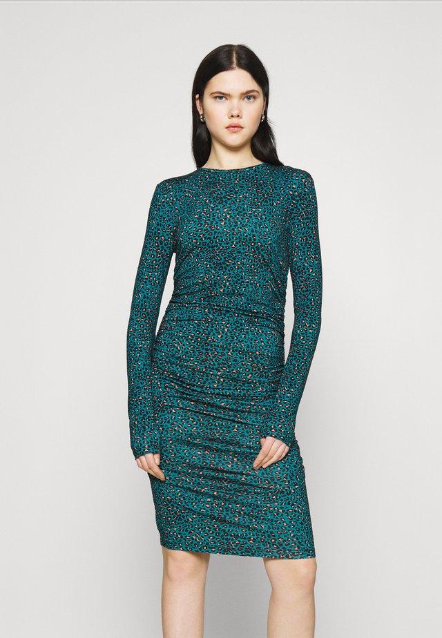 BEALA - Pouzdrové šaty - aqua green