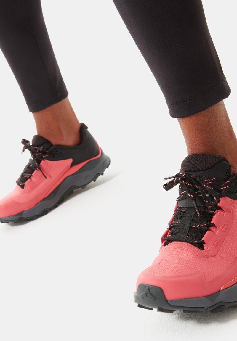 The North Face - EXPLORIS FUTURELIGHT - Hiking shoes - fiesta red tnf black