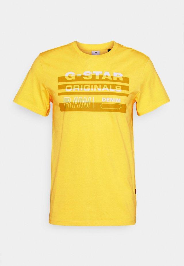 ORIGINALS STRIPE LOGO - T-shirt imprimé - yellow cab
