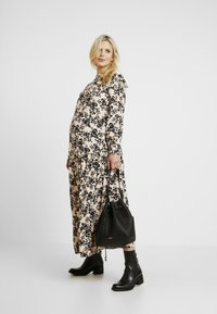 Topshop Maternity - CHUCK ON - Jersey dress - blush - 2