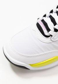 Jordan - MAX 200 BG UNISEX - Basketball shoes - white/active fuchsia/cyber/black - 5
